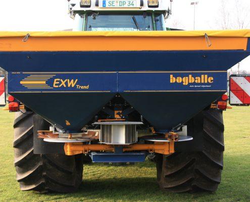 Düngerstreuer der Firma Bogballe, Modell EXW Trend